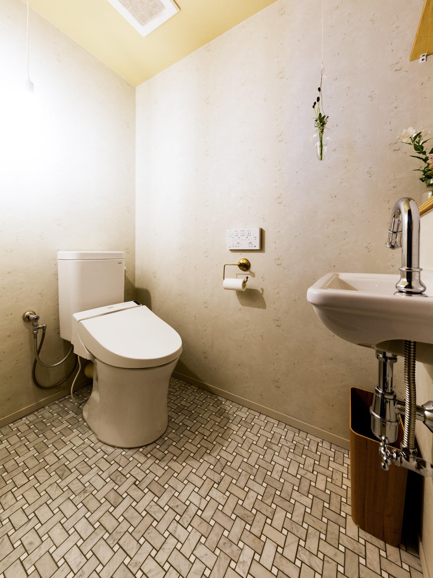 バス/トイレ事例:トイレ(見知らぬ、天井)