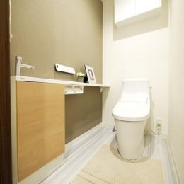 モダンな和室のある3LDK (トイレ)