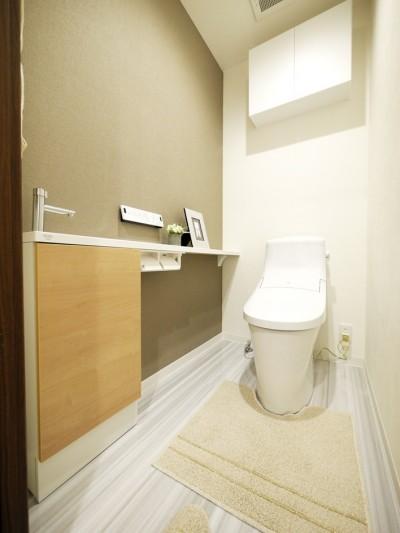 トイレ (モダンな和室のある3LDK)