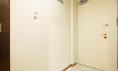 モダンな和室のある3LDK (玄関)