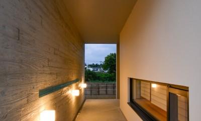 玄関までのアプローチ|読谷村の家