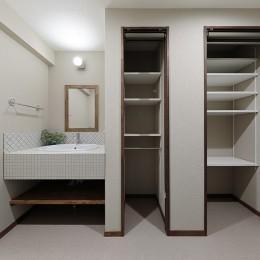 老後に「備える」住まいづくり (シンプルで使いやすい洗面室)