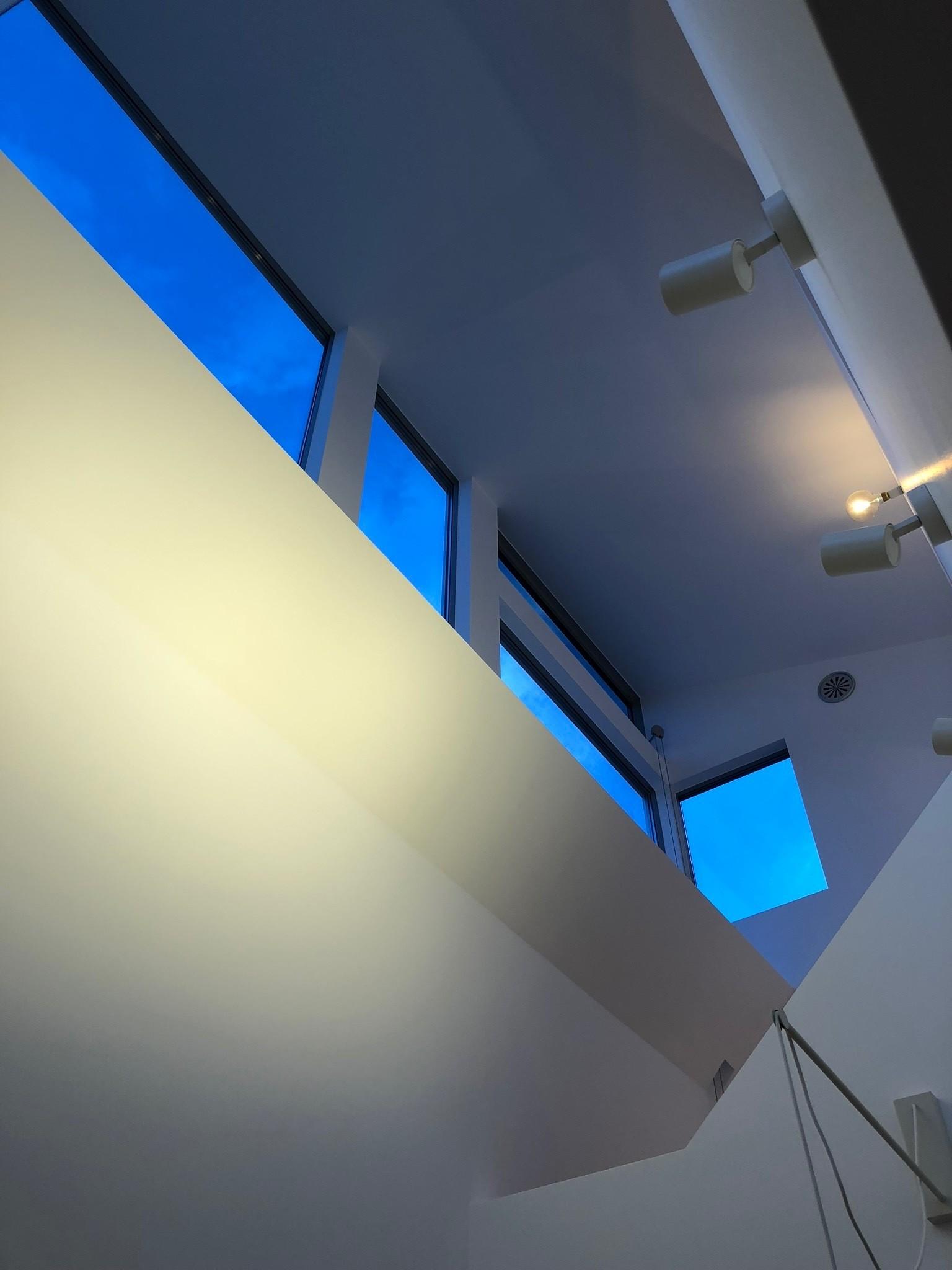 リビングダイニング事例:高窓(高窓の家)