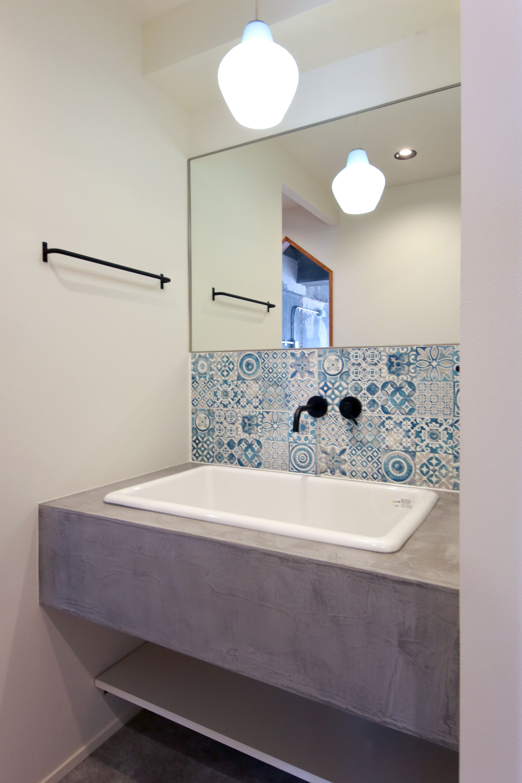 バス/トイレ事例:洗面スペース(次の世代へと繋いでいく ぬくもりインダストリアル)