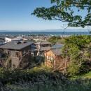 『青海の家』 風景と住む。~伊勢湾を臨む~の写真 城山公園から青海の家、そして伊勢湾を望む/秋景色