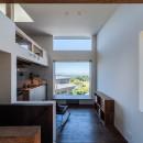 『青海の家』 風景と住む。~伊勢湾を臨む~の写真 2階のリビングダイニングから伊勢湾を臨む