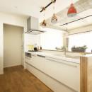 カラフルにのびのびとの写真 L型から対面I型に変更したキッチン