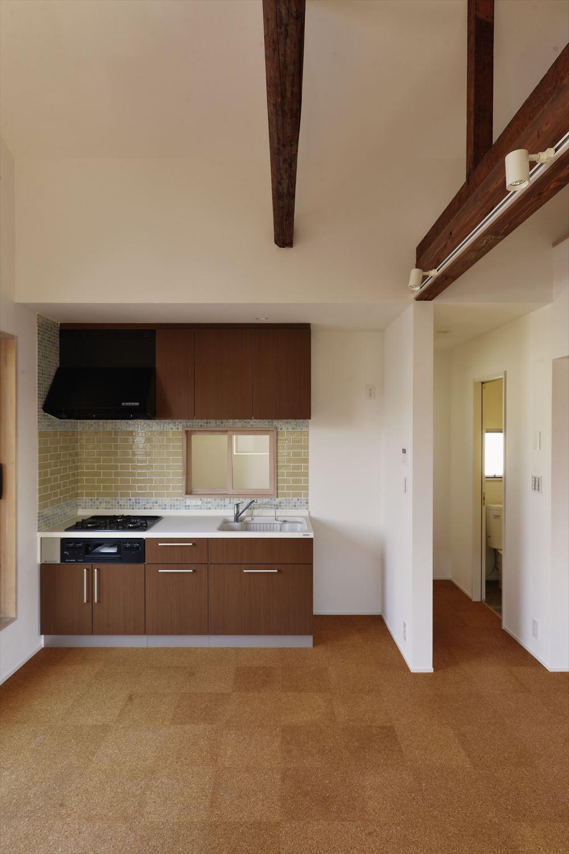 キッチン事例:キッチン(H様邸_47 年の歴史の面影を感じながら2 世帯で暮らす)