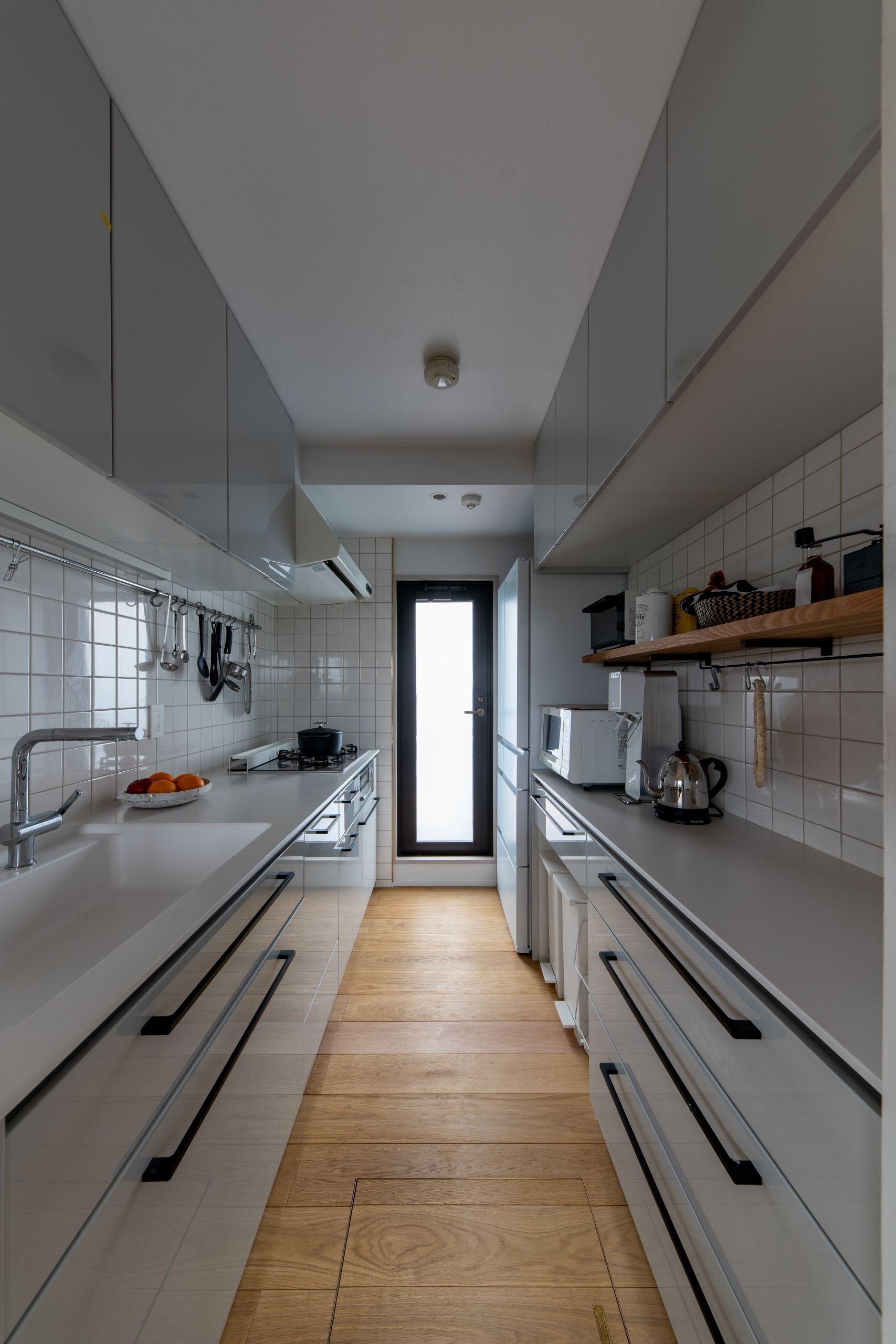 キッチン事例:機能的なキッチン(気配と見通し)