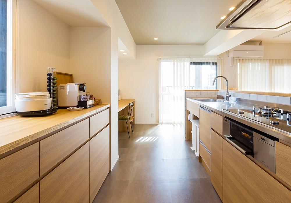 キッチン事例:キッチン(HYGGRE-駅近マンションで猫とルンバとスマートな毎日を)