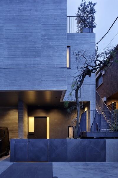 渋谷区I邸 / I House In Shibuya (エントランス外観)
