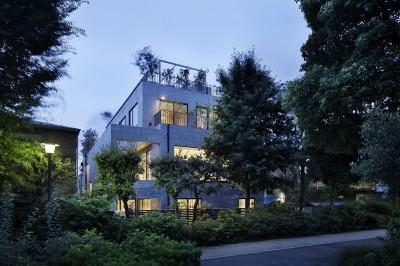 外観夕景 (渋谷区I邸 / I House In Shibuya)