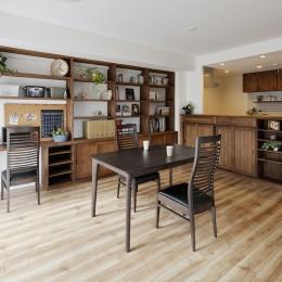 造り付け家具で室内一新 (カフェのようなLDK)