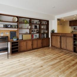 造り付け家具で室内一新 (デザイン自由自在の壁面収納)