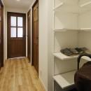 造り付け家具で室内一新の写真 視界を広げた玄関