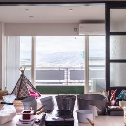 K邸-浅草から松本へ。自分らしい地方移住とは? (アトリエからの眺め。目の前には高い建物はなく一望できる)
