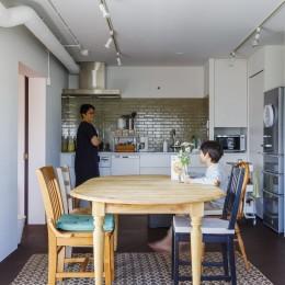 K邸-「子どもを怒らない家」は大人にとっても心地よい (ダイニングキッチン)
