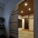 古都を感じる住まい 鎌倉の戸建てリフォームの写真 アーチ型のモダンな和室