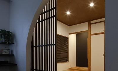古都を感じる住まい 鎌倉の戸建てリフォーム (アーチ型のモダンな和室)