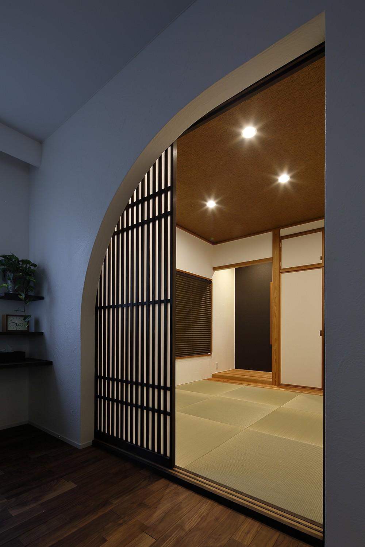 その他事例:アーチ型のモダンな和室(古都を感じる住まい 鎌倉の戸建てリフォーム)