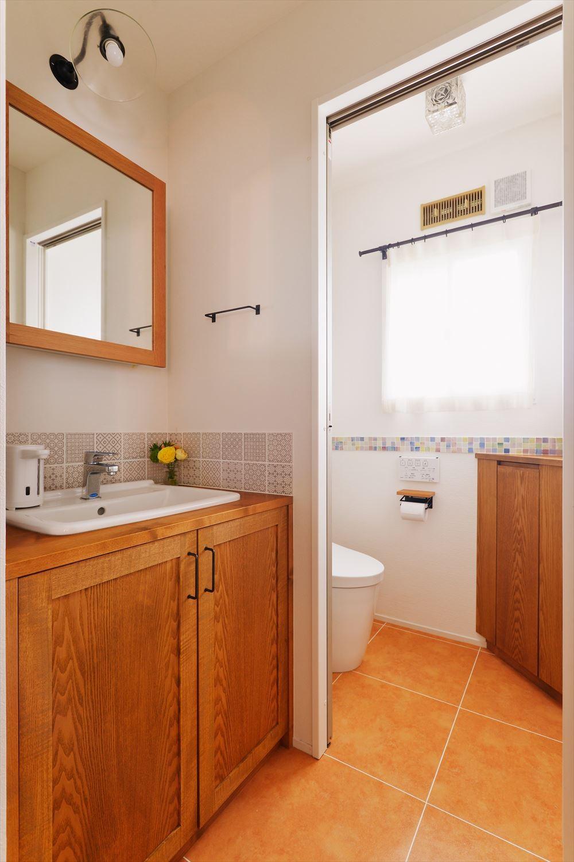 バス/トイレ事例:洗面・トイレ(M様邸_リビングは子どものアトリエ)