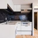 スタイリッシュなワンルームスタイルの写真 キッチン
