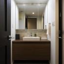 空間を広げる!室内窓活用術の写真 ホテルライクな洗面化粧台