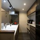 空間を広げる!室内窓活用術の写真 統一感のあるキッチン
