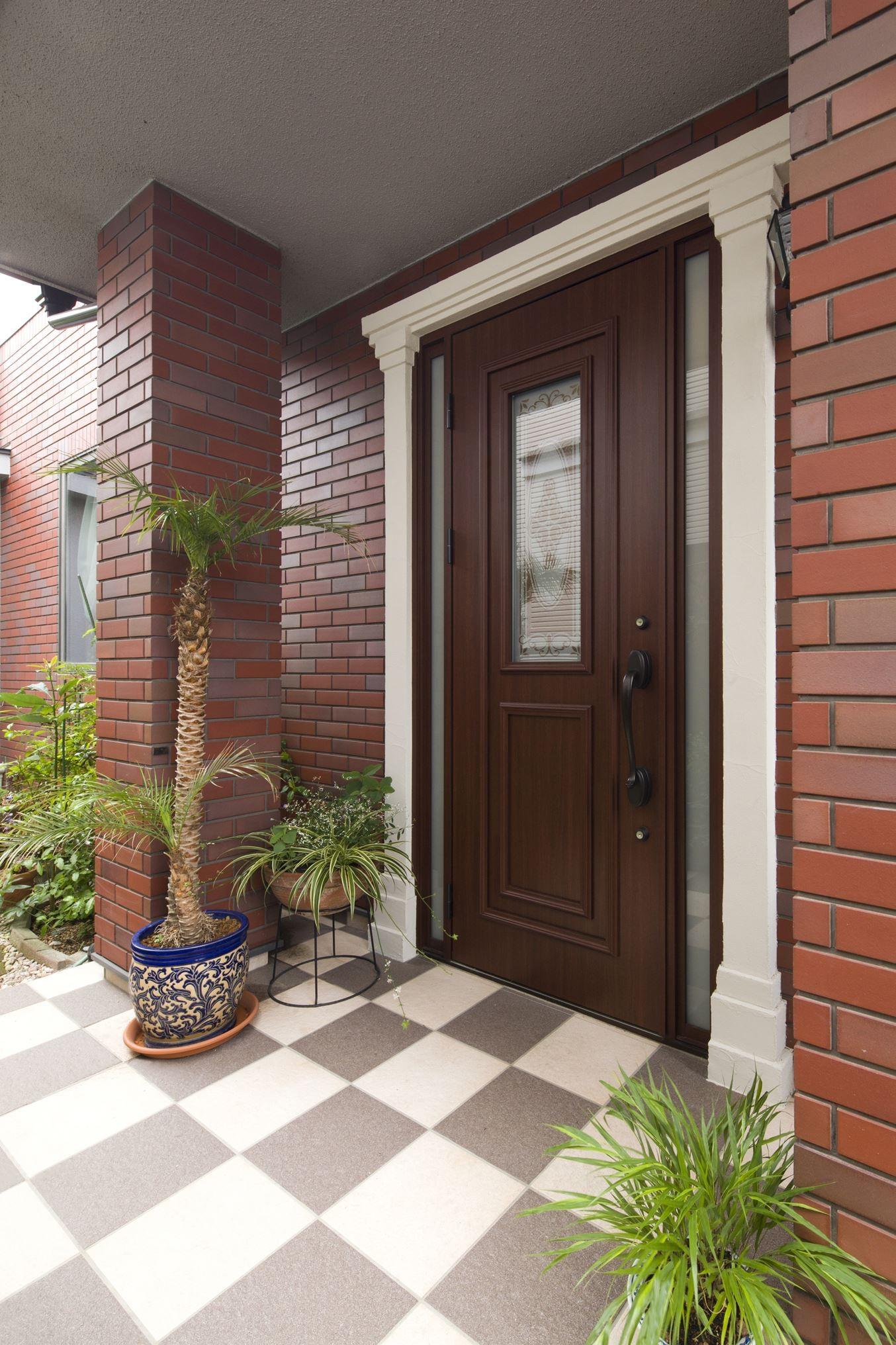 玄関事例:玄関ドアを断熱ドアに(長年抱えていた不満をすべて解消したリノベーション)