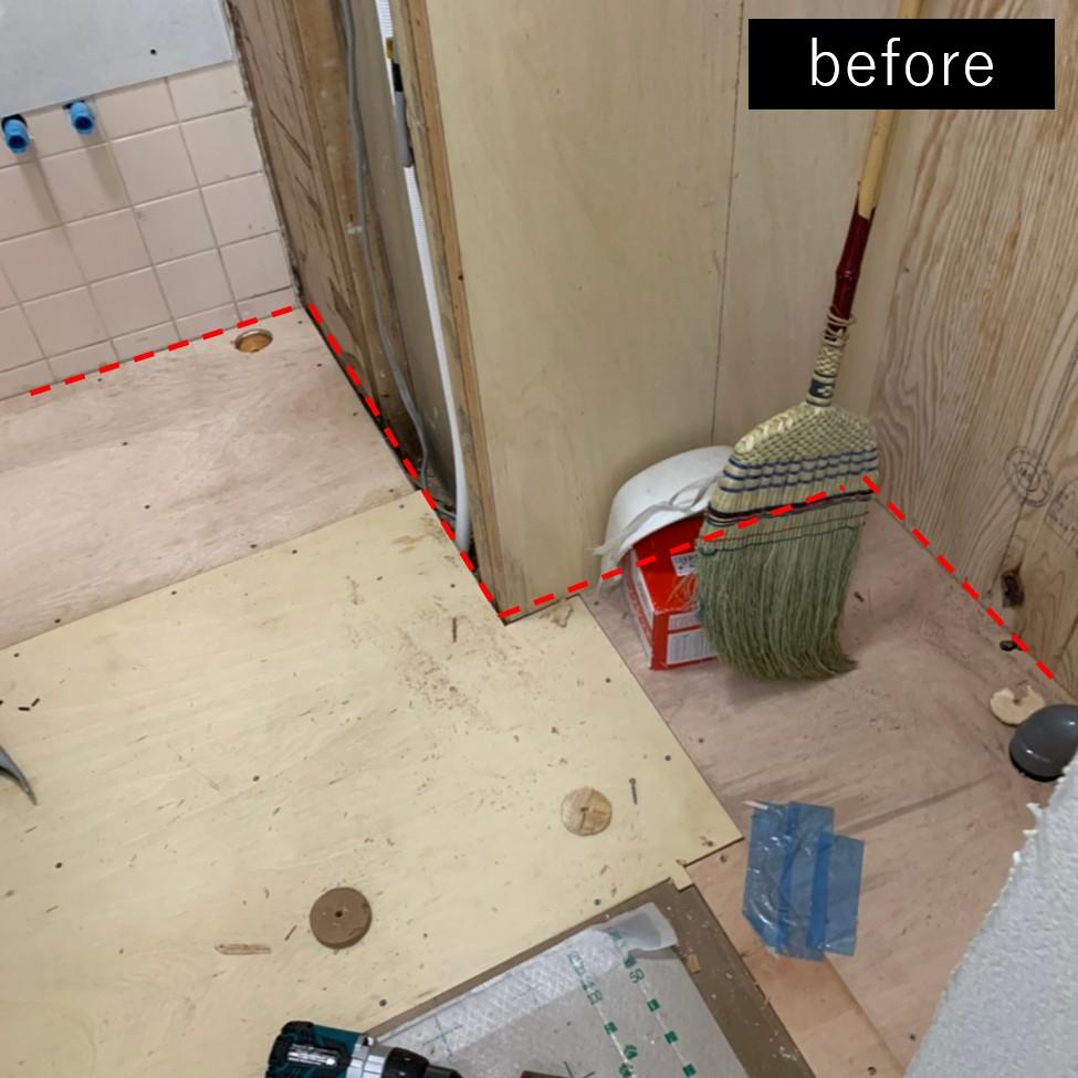 バス/トイレ事例:洗面所側のリフォーム途中(洗濯機置き場を作れない、コンパクトな脱衣室に洗濯機を置こう!)