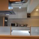 NYスタイルの子育て真っただ中・マンションリノベーションの写真 すっきり収納:キッチン