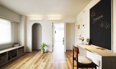 デザイン+自然素材 こだわりの住まい (家でもお仕事ができるよう造作したワークスペース)