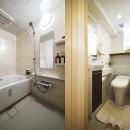 デザイン+自然素材 こだわりの住まいの写真 広く使いやすくなった浴室・トイレ