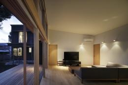 練馬の住宅 / 様々な場所とお互いの距離感を楽しむ住まい (リビング、テラス)