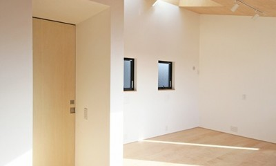 ミカンの木の育つ二世帯住宅 〜玄関と水回りを共有した大きな庭のある二世帯住宅〜 (キッズスパース(将来の子供室)と水回りの入ったBOXを見る)