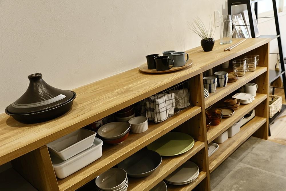 収納事例:ディスプレイを愉しむ食器棚(家族の笑顔がつながる家)