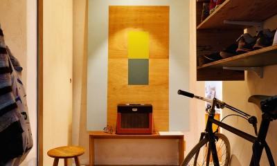 モルタルの玄関ホール|横浜市N様邸 ~光と緑が映える家~