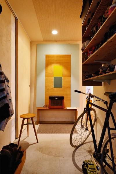 モルタルの玄関ホール (横浜市N様邸 ~光と緑が映える家~)
