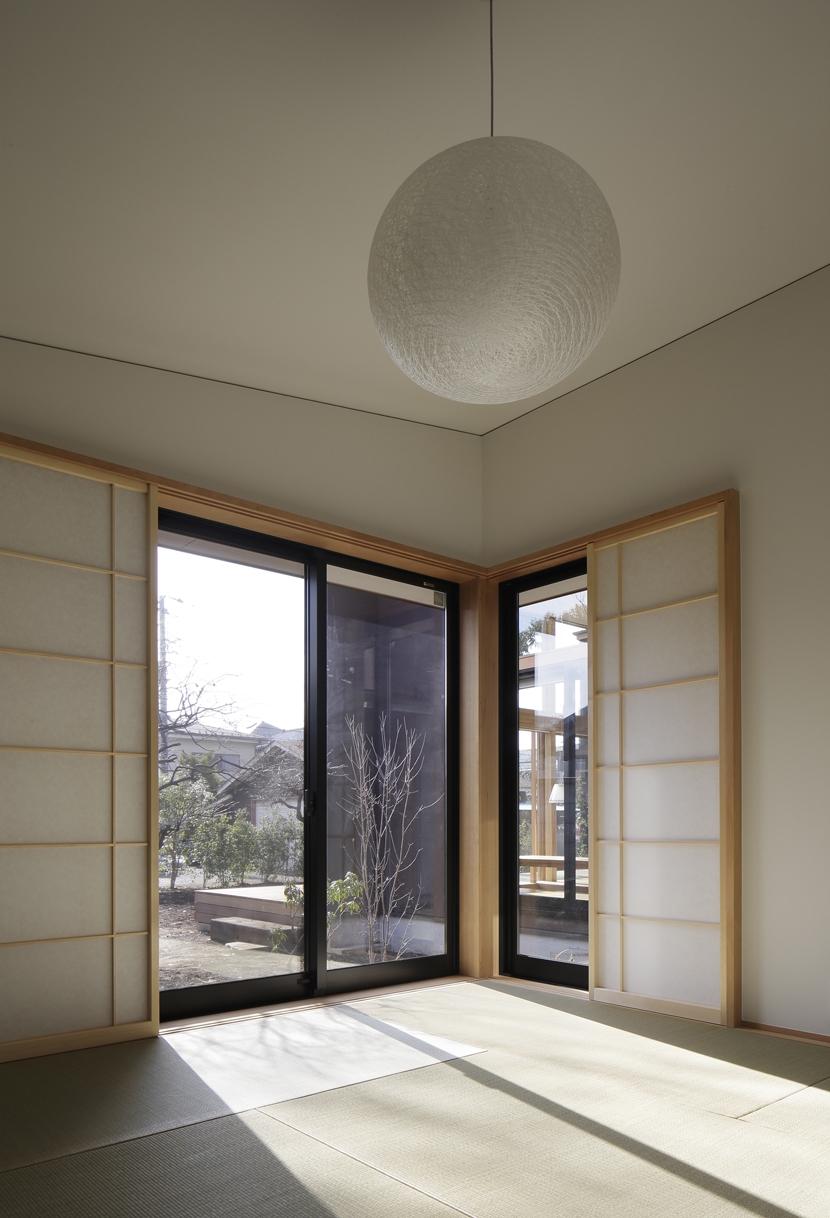 練馬の住宅 / 様々な場所とお互いの距離感を楽しむ住まいの部屋 和室