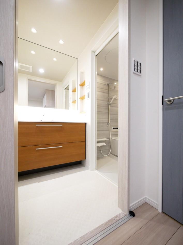 バス/トイレ事例:洗面室(心地よいホワイトオークの住まい)