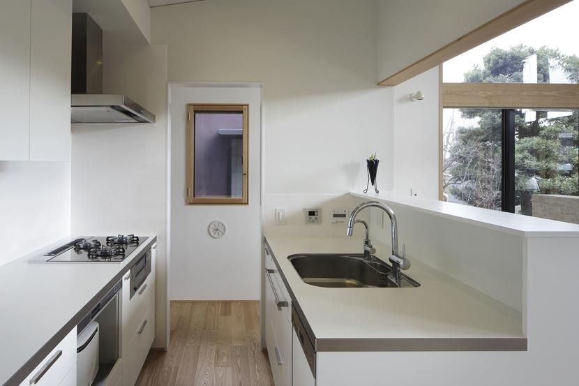 練馬の住宅 / 様々な場所とお互いの距離感を楽しむ住まいの部屋 キッチン