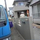 ワンちゃんたちと雨の日も楽しく暮らす、寒さを改善したリノベーションの写真 門塀:外構
