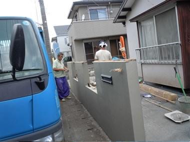 アウトドア事例:門塀:外構(ワンちゃんたちと雨の日も楽しく暮らす、寒さを改善したリノベーション)