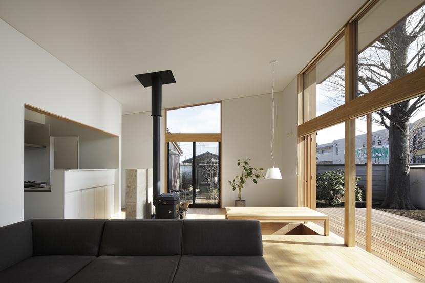 建築家:森吉直剛「練馬の住宅 / 様々な場所とお互いの距離感を楽しむ住まい」