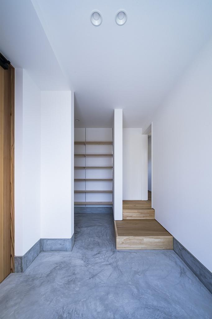 玄関事例:scala(scala~大階段のある家~)