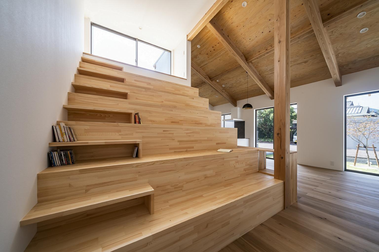 リビングダイニング事例:scala(scala~大階段のある家~)