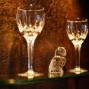 大人の隠れ家 ~サロンのような隠れ家バー~の写真 ガラスの飾り棚