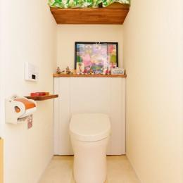 U様邸_ゆったりくつろげるみんなの居場所 (トイレ)