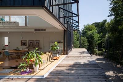 2階ウッドデッキ (洗足池の住宅)