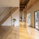 鎌倉の家〜祖父母の家を引き継ぐ木造戸建てリノベーション〜の写真 広縁と板間のリビング